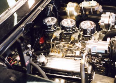 SBC with 3 duces in 57 Chevy