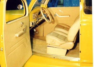 36 sedan interior